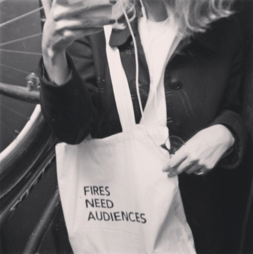 SMALL_Fires_need_audiences_(tote_bag)_2015_Photo_Sarah Peguine_copyright Ariel Schlesinger